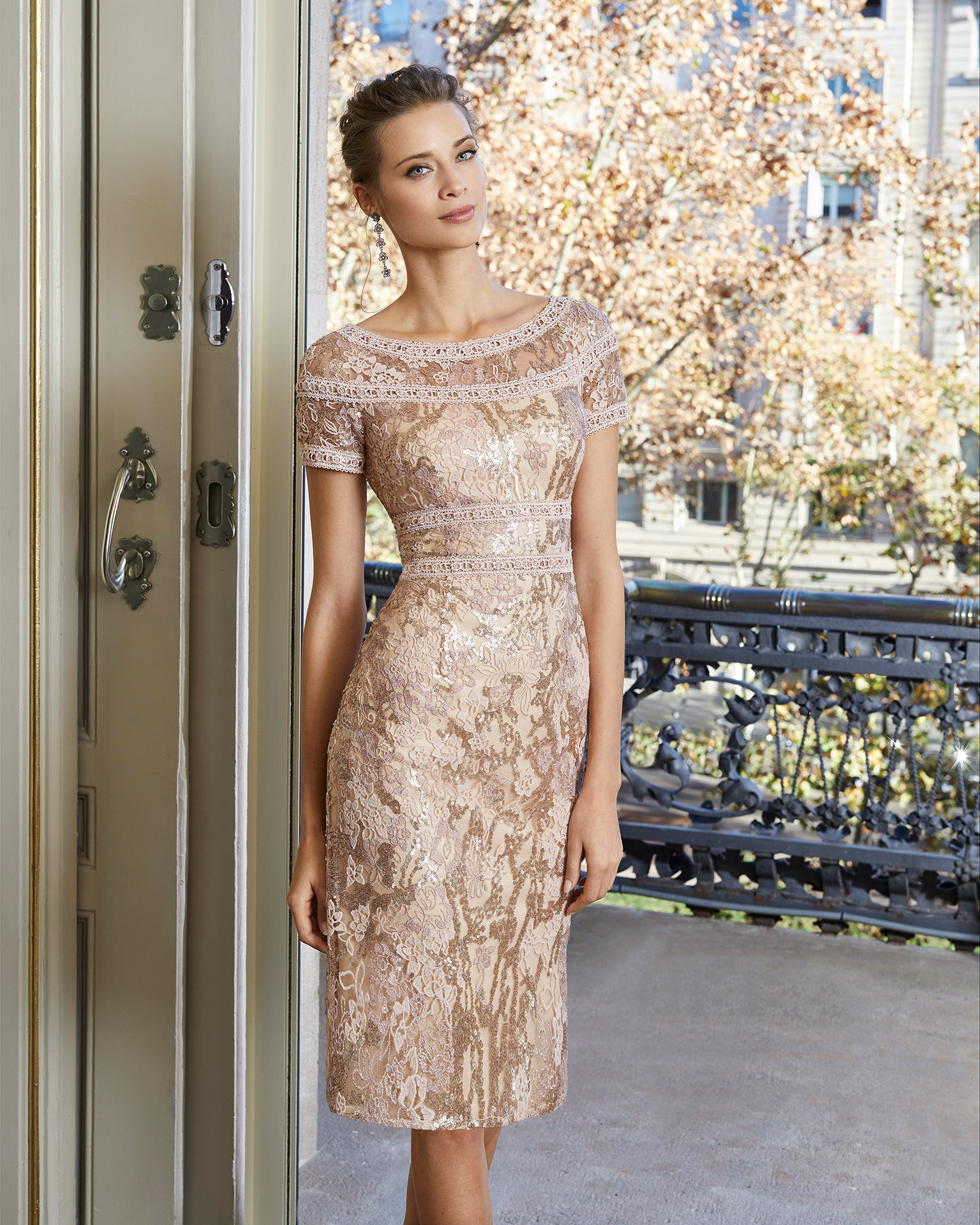 Beaded lace cocktail dress. Round neckline with short sleeves. With cape. 2020 COUTURE CLUB Collection.