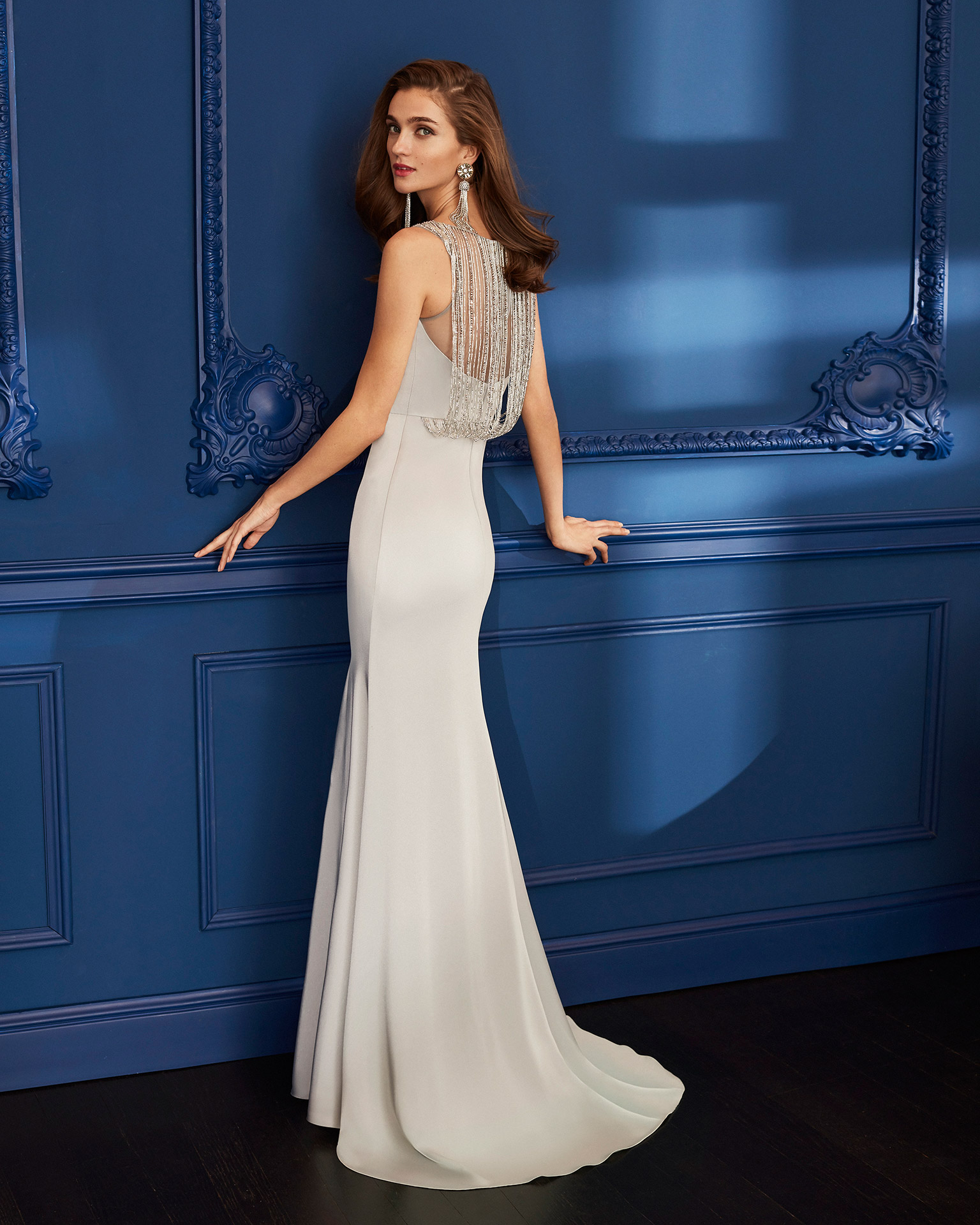 Cocktail dress in crepe with beaded bodice. Bateau neckline. 2020 MARFIL BARCELONA Collection.
