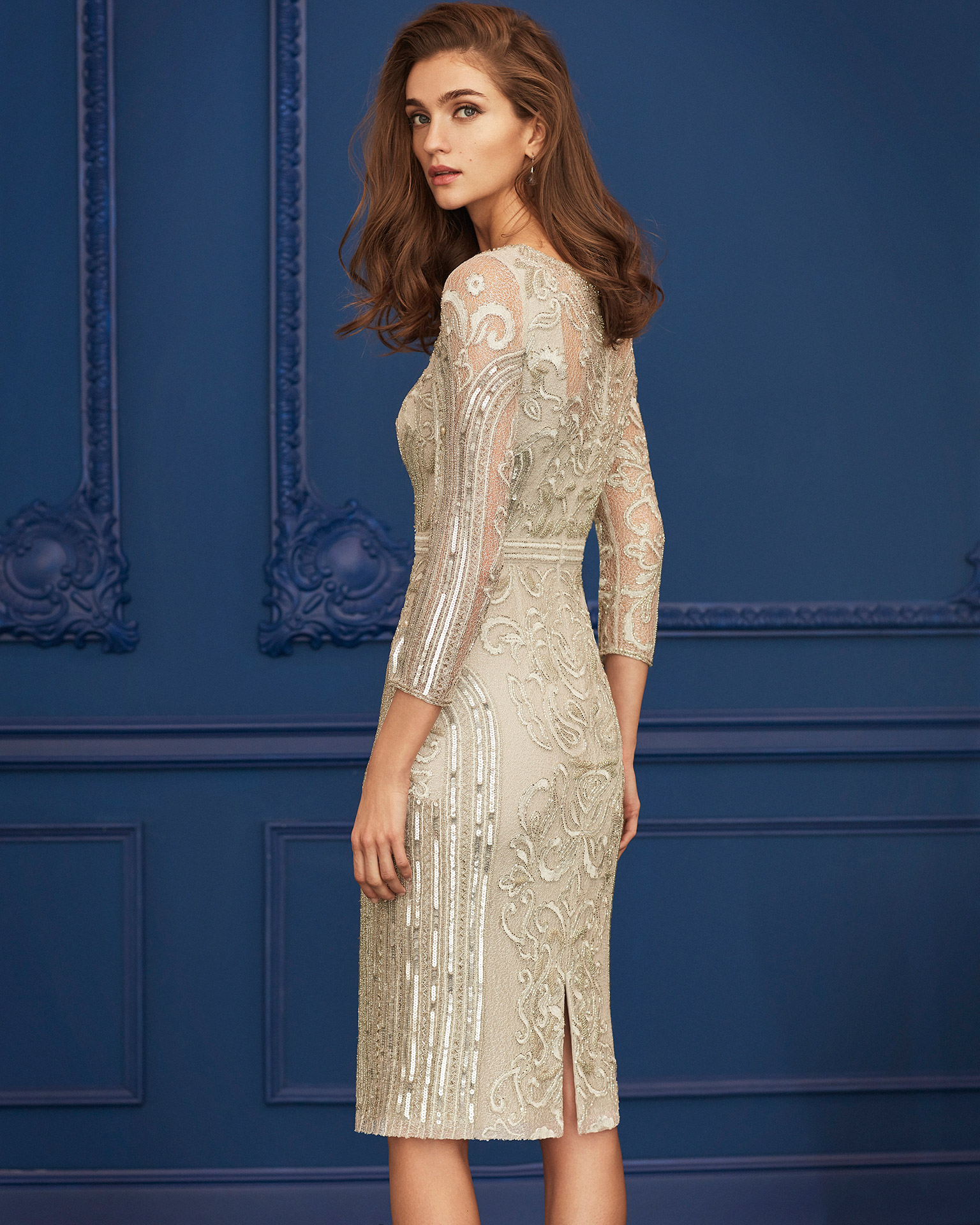 Beaded cocktail dress. V-neckline with three-quarter sleeves. 2020 MARFIL BARCELONA Collection.