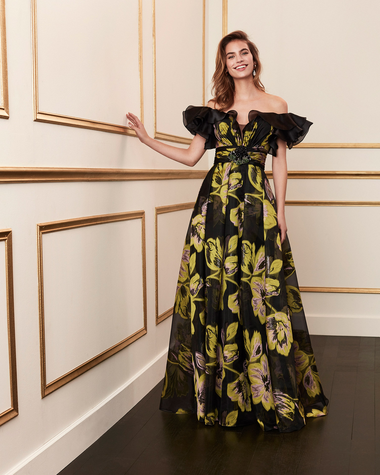 Organza cocktail dress. Off-the-shoulder neckline with full sleeves. 2020 MARFIL BARCELONA Collection.