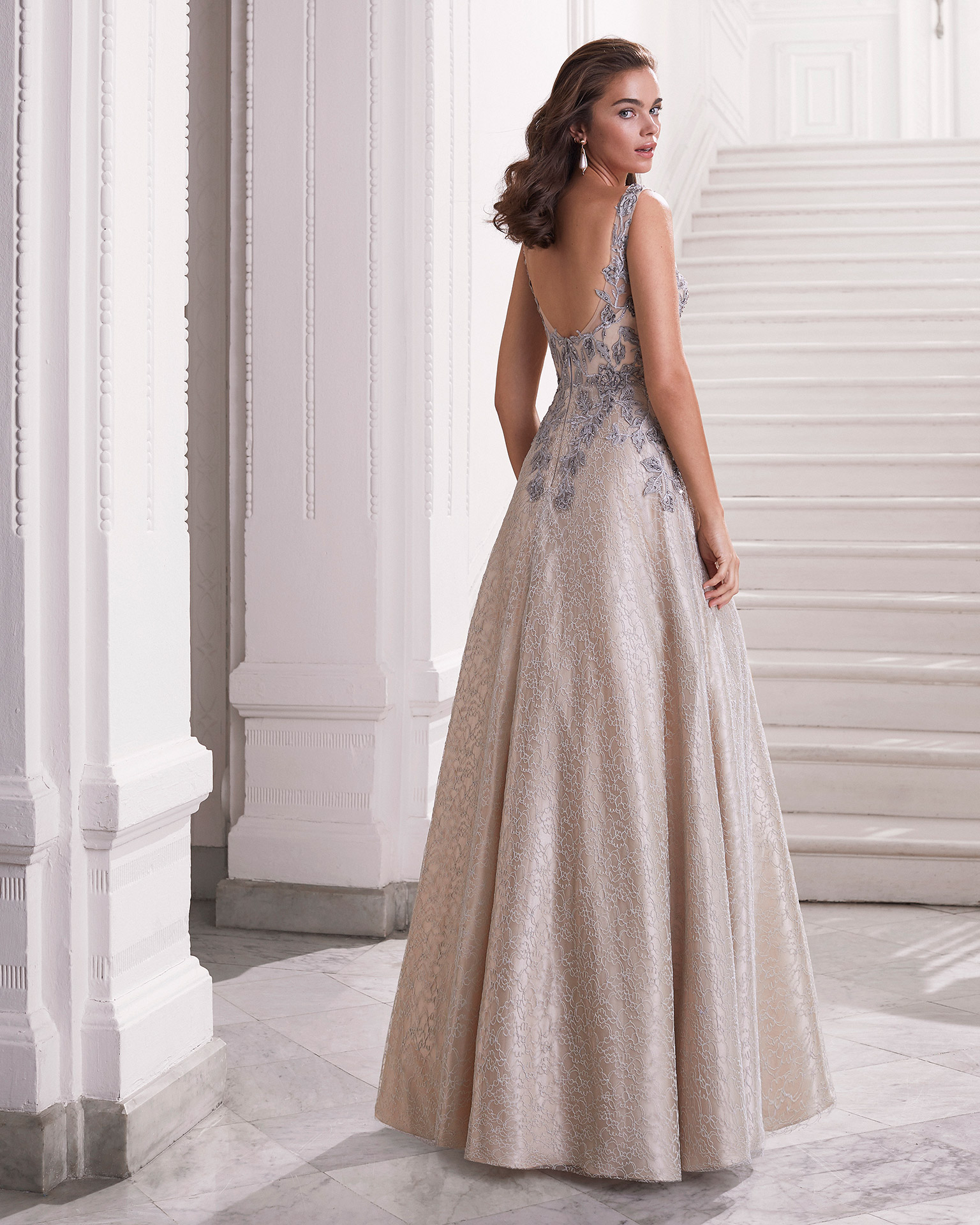Lace cocktail dress. With V-neckline and V-back. With beaded lace on bodice. With shawl. 2021 MARFIL BARCELONA Collection.